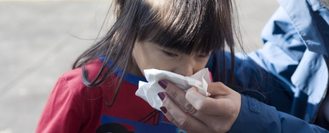 Here are some home-based remedies that can relieve cold symptoms and make you feel better.